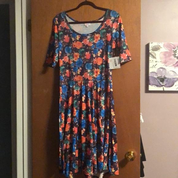 LuLaRoe Dresses & Skirts - Brand new lularoe Nicole xl